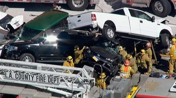 Over 19 cars piled up accident in Los Angeles CA today