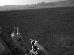 real live video picture of mars from the new mars rover landed August 2012 Mars sure has a lot of rocks desert look like earth landscape though just no ocean visible on the surface so far what can we do with the rocks on mars?