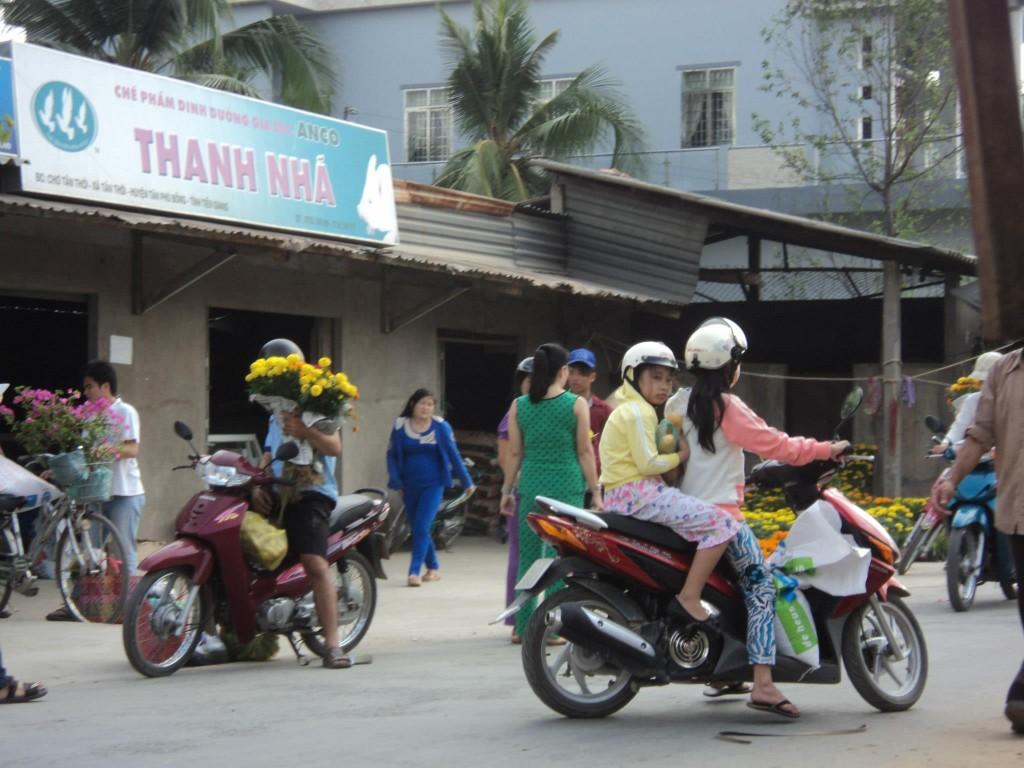 TET in Cu Lao Tan Thoi - Vietnam - Cho Tan Thoi 2013 Vietnam New Year