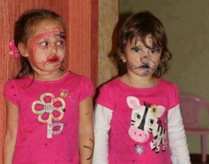 leaving kids alone themselves have funny consequences