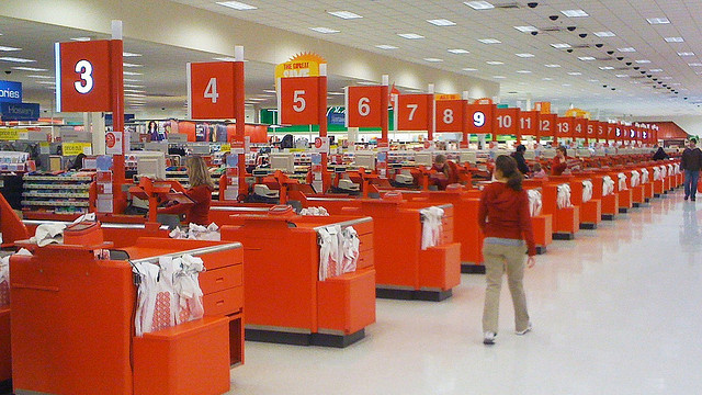Target.com customers credit card personal information hacked hackers are now using stolen identity to commit crimes and sell it online to companies