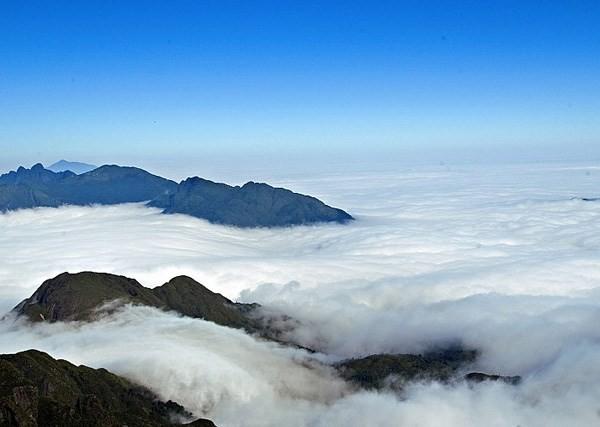 Phan Xi Păng mây mù - Phan Xi Pang Vietnam cloudy day up the mountain